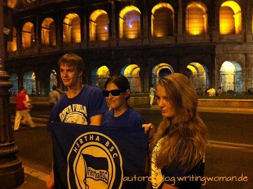 Hertha BSC vor dem Colosseum