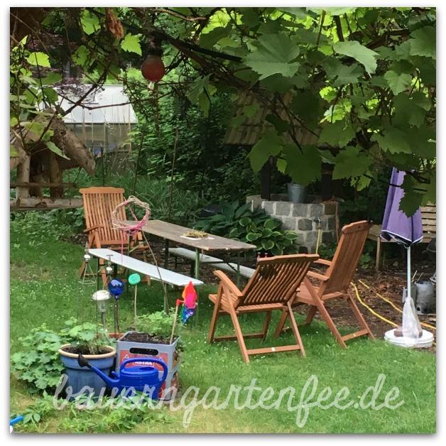 Ausblick aus der Bauerngartenfee-Küche in den Garten