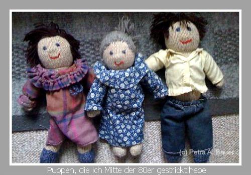 Drei Puppen, die ich als Weihnachtsgeschenke Mitte der 80er gestrickt hatte: Eltern und Omi.