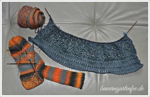 Socken und Kleid. Foto: Petra A. Bauer.
