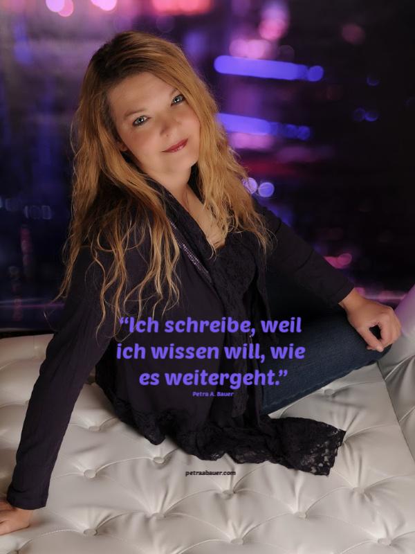 """""""Ich schreibe, weil ich wissen will, wie es weitergeht."""" Petra A. Bauer, 18.12.2019. Foto: Dirk Tessin."""