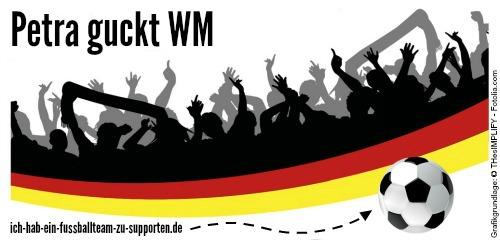 Petra guckt WM. WM-Banner.